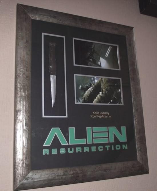 AlienKnife1